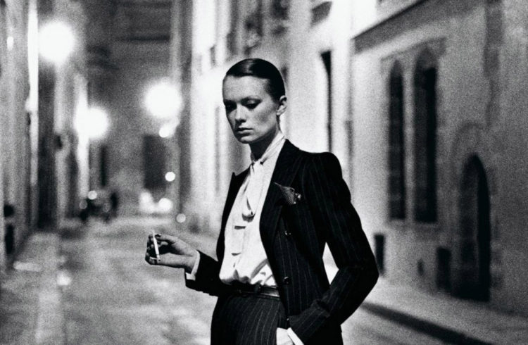 yves-saint-laurent-french-vogue-rue-aubriot-paris-1975-c-helmut-newton-estate2