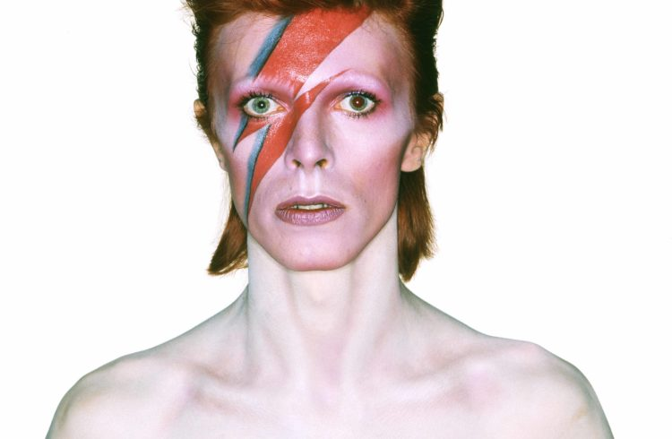 4_album20cover20shoot20for20aladdin20sane2c20197320photograph20by20brian20duffy20c2a920duffy20archive2020the20david20bowie20archive