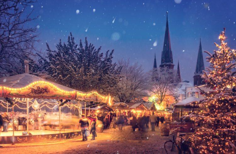 illuminated_evening_winter_holiday_decoration_city_season_christmas-599223